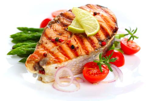 Darne de saumon grillée accompagné de ses petits de légumes.