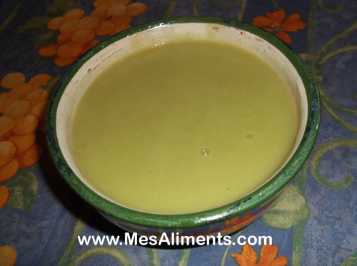 Soupe d'hiver, potage poireaux et pommes de terre
