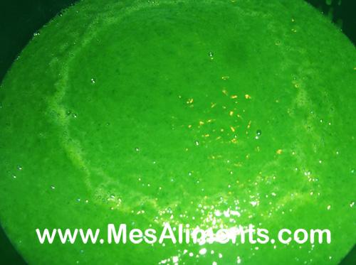 Soupe aux poireaux et épinards crus